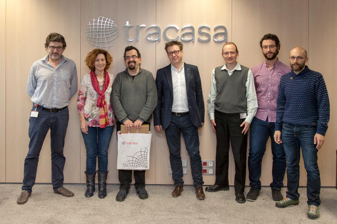 Josetxo Arrarás, Director Gerente de Tracasa Instrumental y Consejero de Tracasa, con los seis finalistas seleccionados